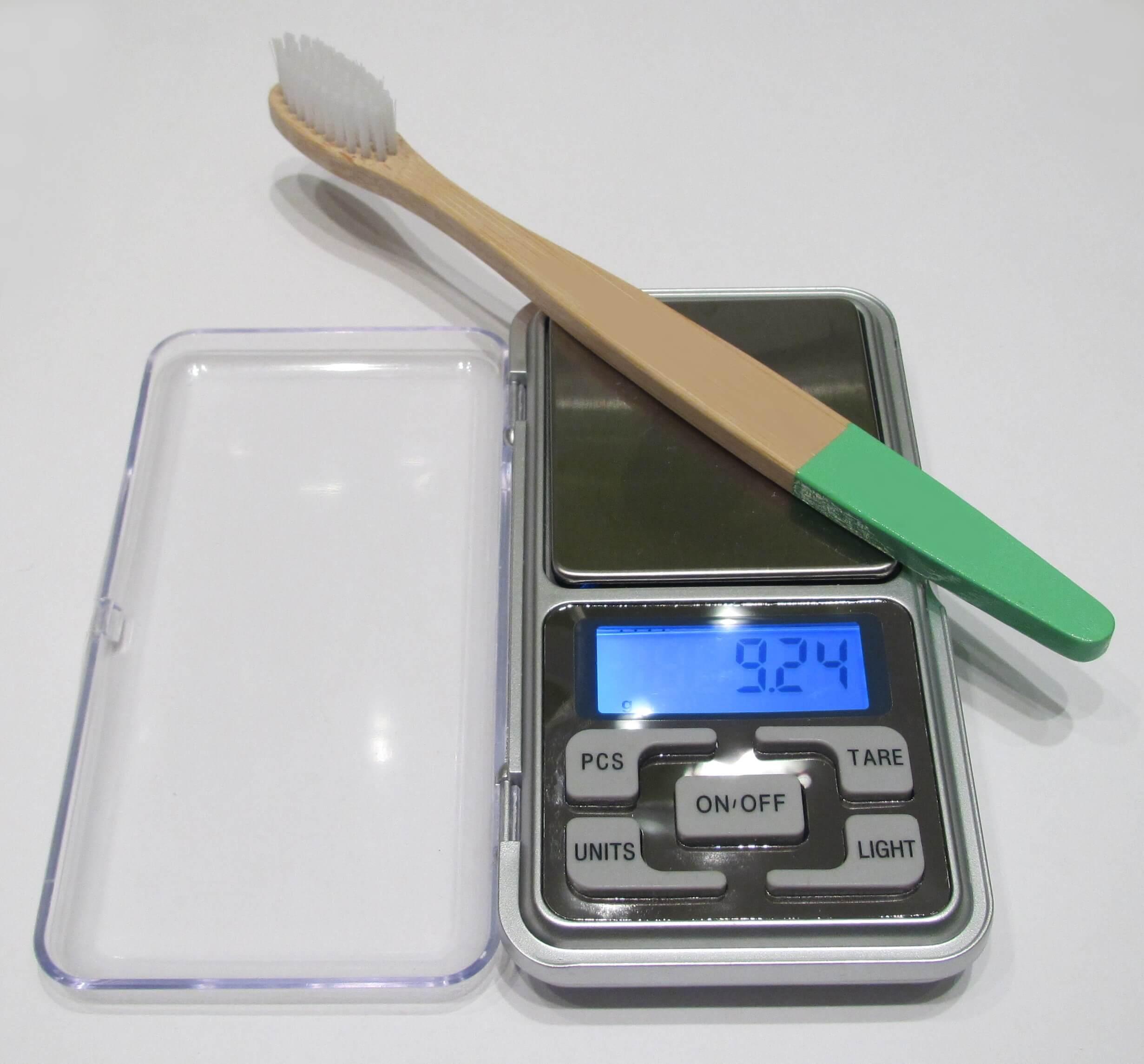 Cepillo de dientes de bambu de la competencia